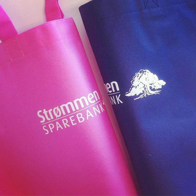 Tekstilprodukter med logo