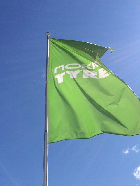 Flagg med logo