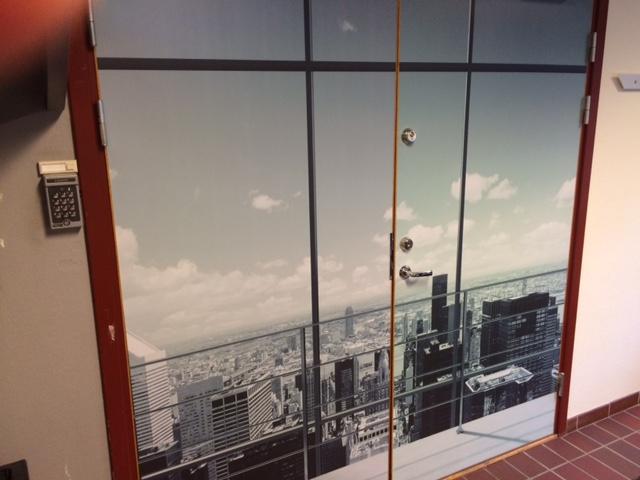 Bildefoliering av dører og vegger